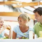 Syö terveellisesti reissun päällä – poimi vinkit talteen