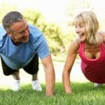 vanhempi-mies-ja-nainen-treenaa